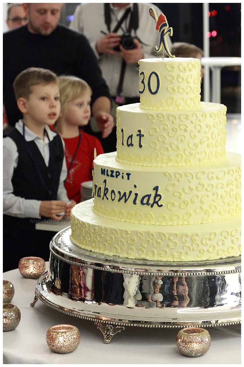 """30-lecie MLZPiT """"Krakowiak"""" – Świętujemy smacznym tortem"""